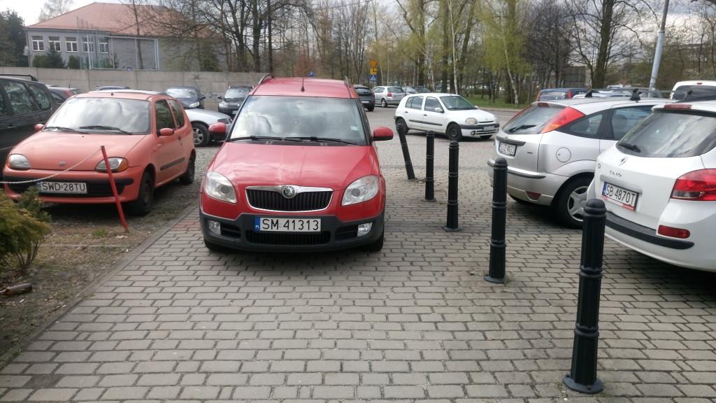 Skoda, niepokonany obiekt pożądania polskich emerytów i wszelkiej maści Januszów w kapeluszach. Samochód, który jest na 'nie' ze wszystkim. Nie ma wyglądu, nie ma osiągów, nie ma przestrzeni, nie ma niskiej ceny, nie ma dobrej opinii.
